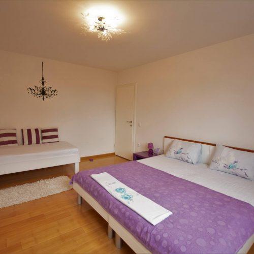 Spacious sleeping room